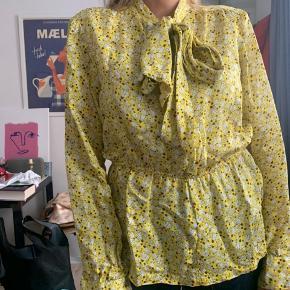 Sælger denne mega fede Hosbjerg skjorte!  BYD