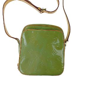 LV - Louis vuttion green verbis wooster cross body bag  Flere billeder kommer   Slitage på remmen