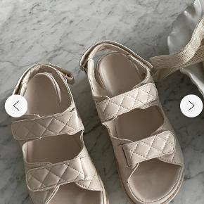 BYIC sandaler