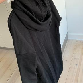 Sweaterkjole 3/4 ærmer og oversize look
