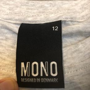 Smart drenge T-shirt , helt ny fra butik Nielsen. Fra ikke ryger hjem, str 152. /12 år.