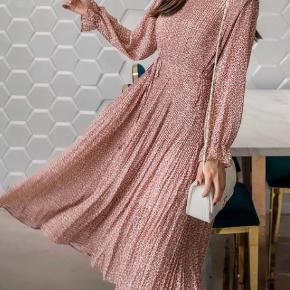 Plizze kjole - kræver minimal strygning