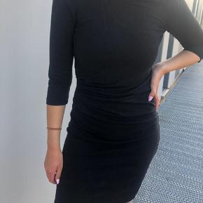 Mørkegrå kjole fra VILA, som ny, str. M