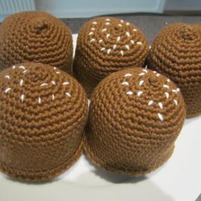 flødeboller hæklet 15 kr stk