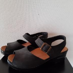 Sanita sandaler