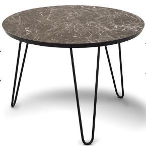 Fuldstændig nyt sofabord. Fejlkøb, ikke brugt. Stadig i emballage.  Mål Ø60, H42