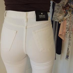 Flotte hvide versace jeans bukser str 29 i livet