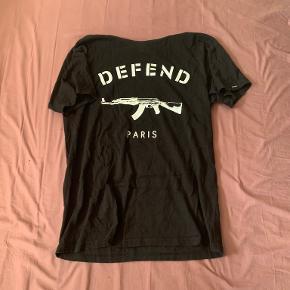 Defend Paris t-shirt