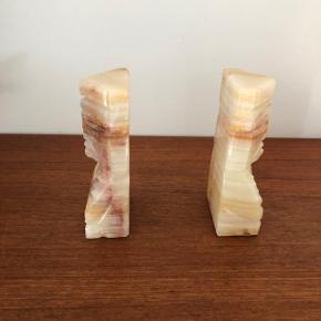 Fineste retro bogstøtter i marmor ❤️❤️❤️ Samlet pris 225,- kr.