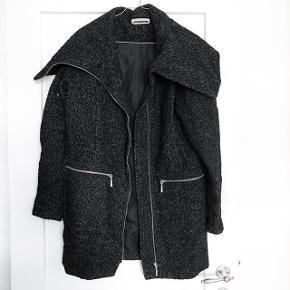 Noisy May jakke   størrelse: mener det er en S eller en M   pris: 150 kr   fragt: 45 kr