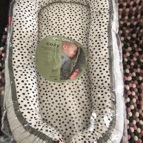 Helt ny babynest i indpakning. Sendes ikke.