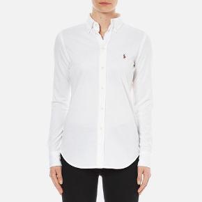 Så pæn Ralph Lauren skjorte i størrelse Large. Modellen er slim fit Byd