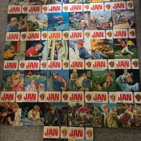 """En flot samling af Jan-bøger udgivet af Grafisk i perioden 1977 - 1985. På bagsiden af bind 35 står der """"Nu er der 35 Jan-bøger"""" - det må betyde, at serien i første omgang sluttede der, men siden blev genoptaget.  Bøgerne er i meget, meget flot stand.  Serien fra bind 1 til bind 35 er næsten komplet. Der mangler: Bind 11 - JAN brug øjnene Bind 18 - JAN gør sit store kup Bind 34 - JAN og falskmøntnerne  Bøgerne sælges helst samlet til dkk 1.000,00 - alternativt dkk 40,00 pr. stk. Kom gerne med et seriøst bud :-)  Bogsamlingen vejer over 5 kg, hvorfor TS handelssystem ikke kan bruges."""