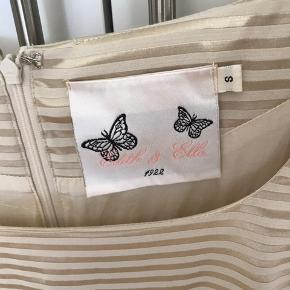 Så fin kjole - koster kun 100 kr da prisen 138 er incl fragt :-)