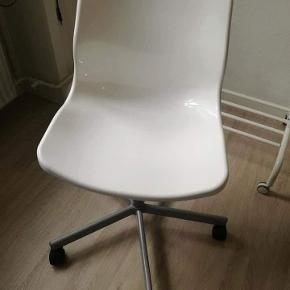 Kontorstole fra Ikea,ikke brugt særlig meget. Kan indstilles I højden. Ny pris 149