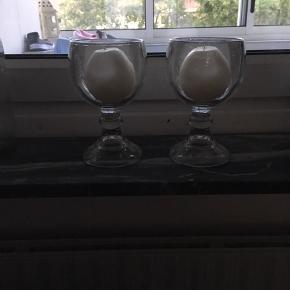 2 lysestager med lys, mærke ukendt, de er tunge
