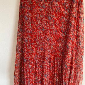 Mango kjole, str. L. Stadig med prismærke.  Sælges for 200,- pp.