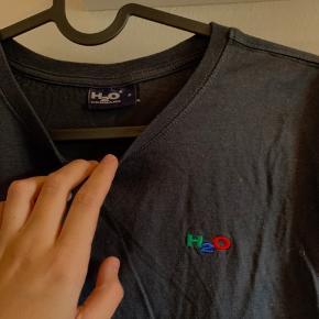 Fejler intet, rigtig fin trøje - lidt oversized