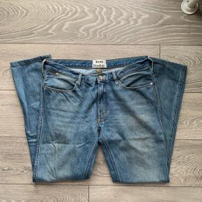 Nypris ca. 1600 Tjek mindre andre annoncer ud; Moncler, OVO, Stone Island, Acne Studios, Palm Angels, Ralph, Fred Perry, Givenchy, Supreme, Y-3, Marcelo, Wood Wood, Soulland, Gucci, Louis Vuitton, Balenciaga, Golf Wang, Bape, Yeezy, Off-White, Burberry, Prada osv.