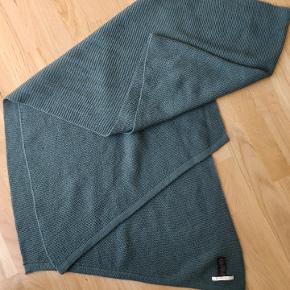Stor halstørklæde Kun brugt 2 gange