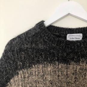 Super smuk sweater fra & Other Stories 🤎 Brugt få gange - fejler intet ✨ 45% uld 40% polyamid 15% mohair