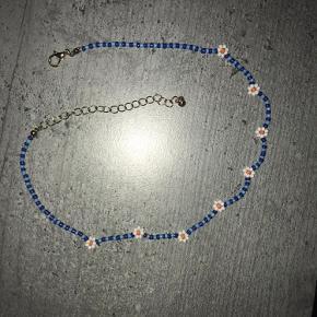 Sødeste perle halskæde med blomster Justerbar