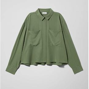 Sælger denne kakigrønne skjorte. Np 400 (out of stock), aldrig brugt