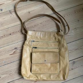 Nude håndtaske