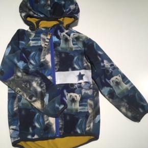 Softshell jakke fra Racoon. Meget pæn - ikke brugt særlig meget.  God som overgangs - og sommerjakke 😊
