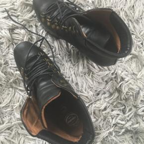 sko Jeffrey Campbell heels  brugt 2 gange Condition 9/10 🙋🏼♀️ Se også mine andre annoncer og følg mig✔️