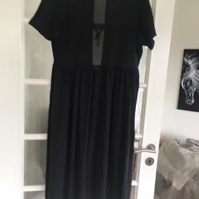 Smuk kjole i vasket silke