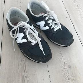 Varetype: Sneakers Farve: Blå Oprindelig købspris: 699 kr.