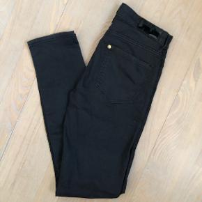&denim jeans str 25/30 kun brugt et par gange Mængderabat gives og sender med dao