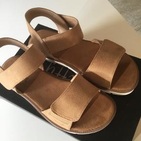Duffy sandaler