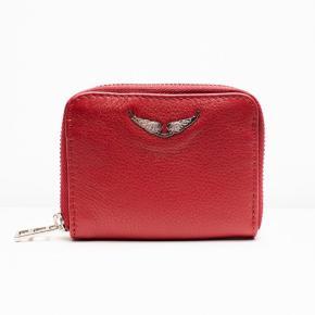 Zadig & Voltaire mini ZV skull pung. Skriv privat, hvis du har spørgsmål. Jeg har ikke kvitteringen eller æsken... det er kun pungen jeg sælger.