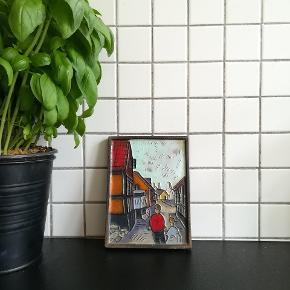 Smukt kakkel-billede af Bornholm, Nis Skougaard Fremstår fint, dog et meget gammelt værk. Måler 14,5x11cm  Hent i Nordvest :) sender også med DAO