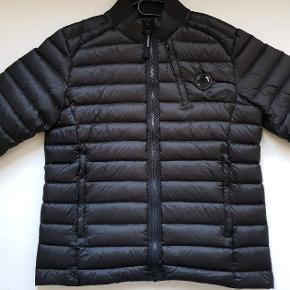 Fin jakke fra Cp Company butiks pris 3800