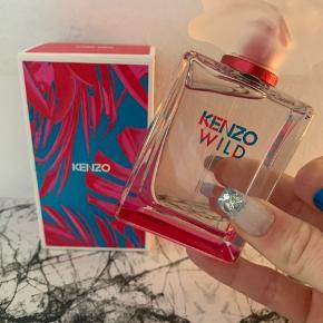 Kenzo Wild parfume. Duftet til få gange. Var ikke noget for mig, men fremstår som ny. 50 ml😊 kom evt med bud