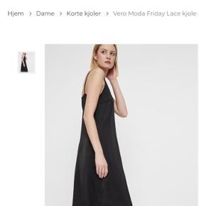 Super lækker og stilren kjole  Str M  Fejl køb  Mp 200 pp