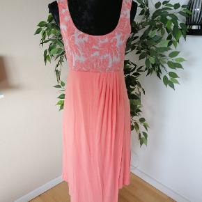 St-Martins kjole