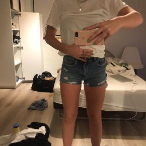 Sælger disse shorts fra Zara.  Byd 🤠