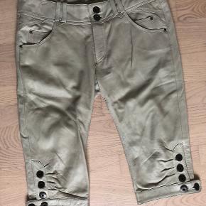 Minus shorts