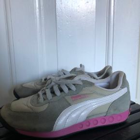 Puma sneakers i str 36