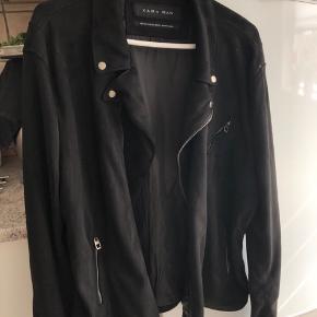 Zara ruskindsjakke, aldrig brugt Str. er XXL men fitter helt klart En stor L og XL