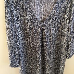 Part Two kjole/tunika - creme/støvet blå & sort 160 kr