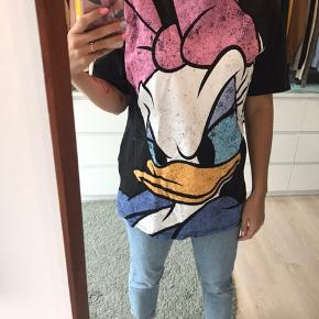 Zara oversize t-shirt med Andersine på fronten.