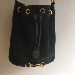 Vintage taske fra Gucci i fin stand. Skriv for mere info. 21 x 12 cm