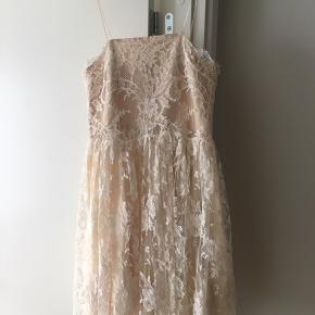 Charles Anastase kjole