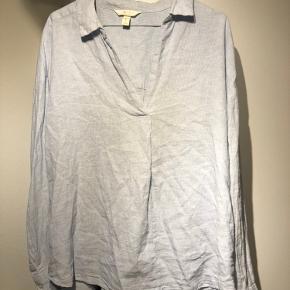 H&M skjorte  Kan også passes af m/l Lidt oversize