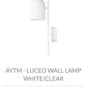 HELT NY!! Meget simpel og elegant lampe, til de moderne hjem. Np er 3000kr. Fejlkøb, så sælges billigt.